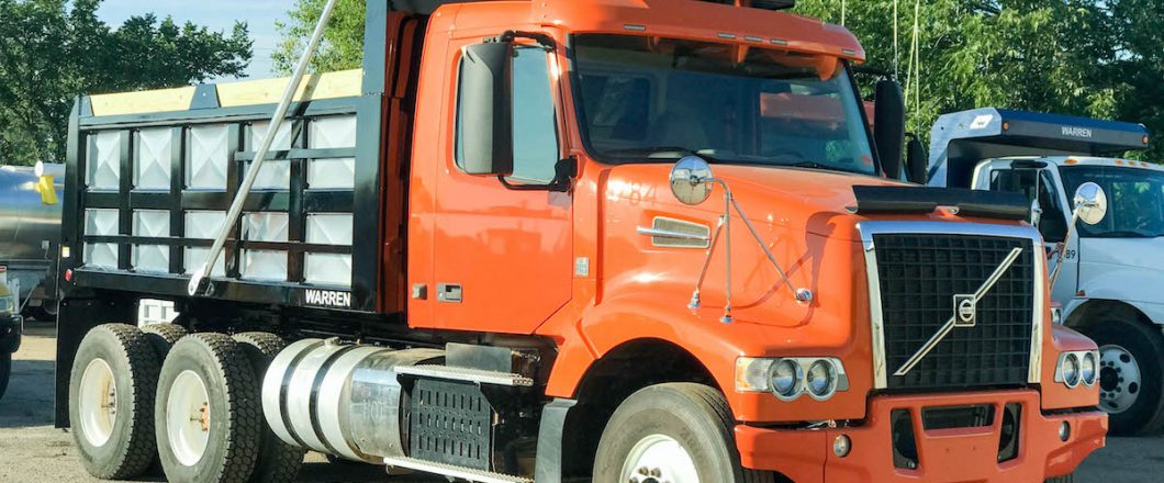 Tandem Volvo Tractor To Dump Tuck